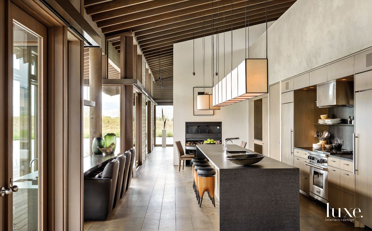 Neutral Fittings & Lofty Ceilings In a Stunning Montata Kitchen