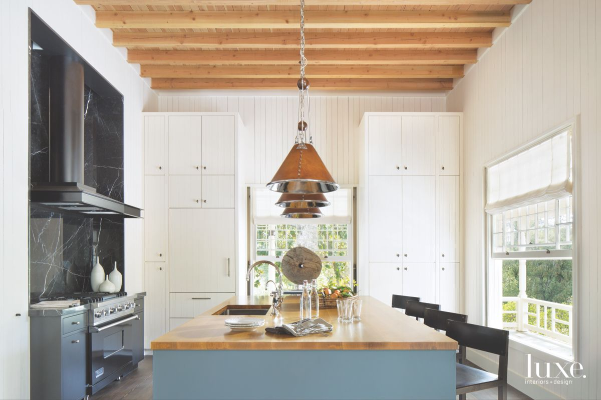 Contemporary Touches in Calistoga Country Home