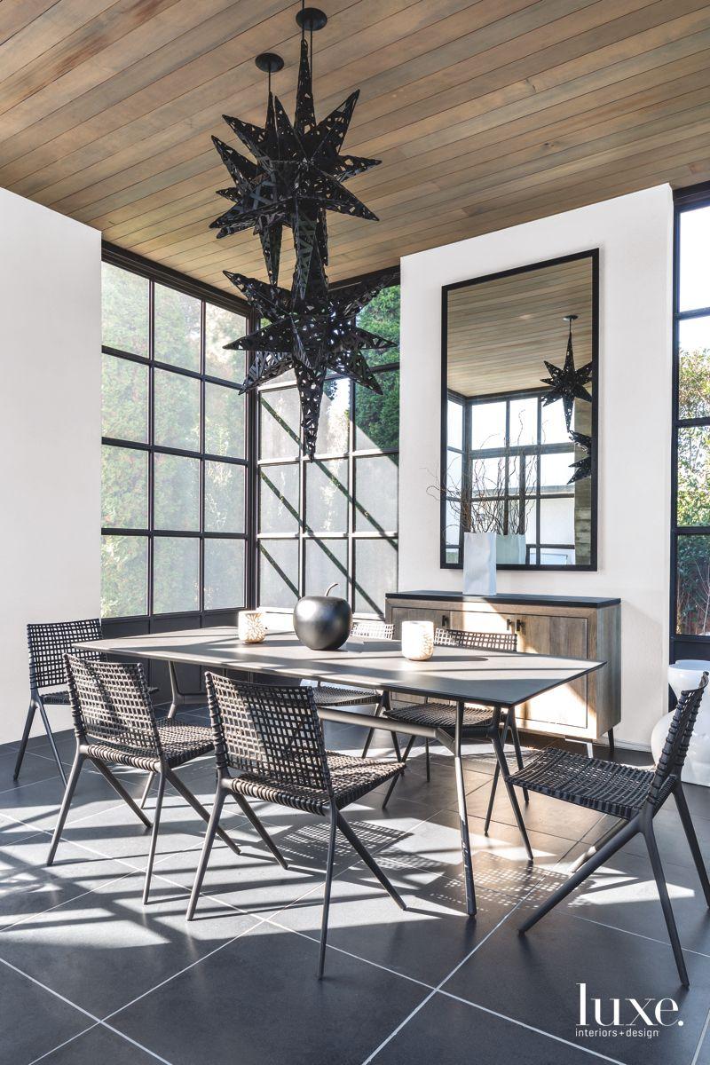 Modern Southampton Dining Room With Star Pendant Lighting