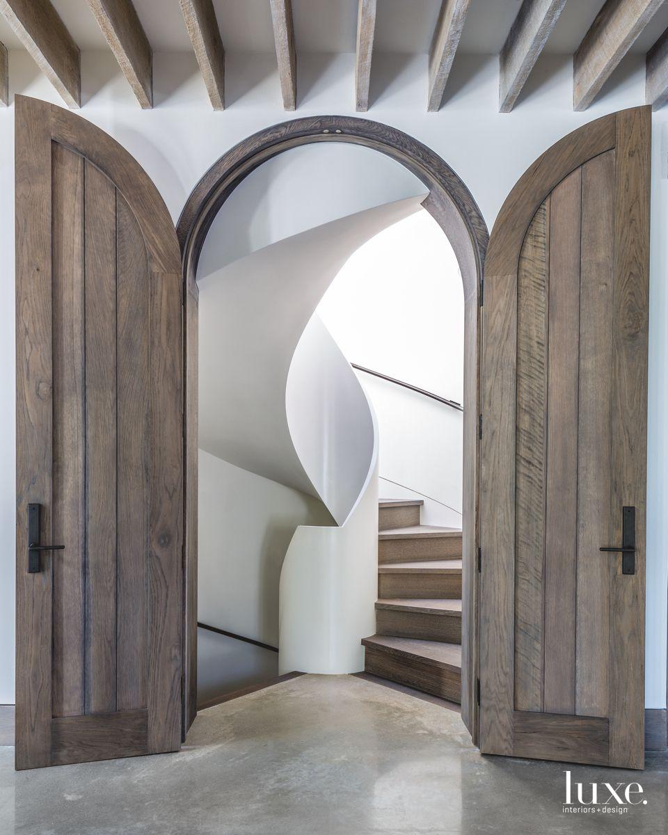 Hamptons Home With Seashell-Like Spiral Staircase