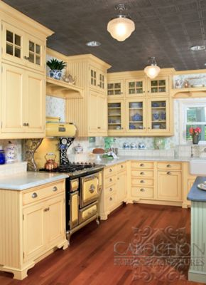 Carrara marble kitchen countertops with Delft blue kitchen tile