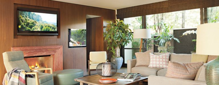 A Modern Craftsman with a Resort-Like Feel | Features - Design ...