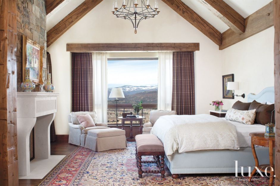 Country Cream Bedroom With Antique Wood Bench Luxe