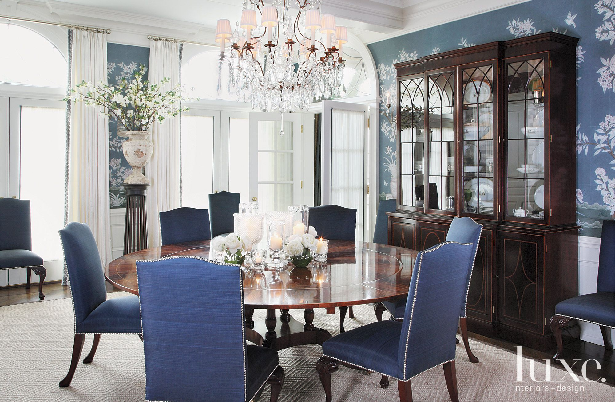 Traditional Blue Dining Room with Chinoiserie Motif