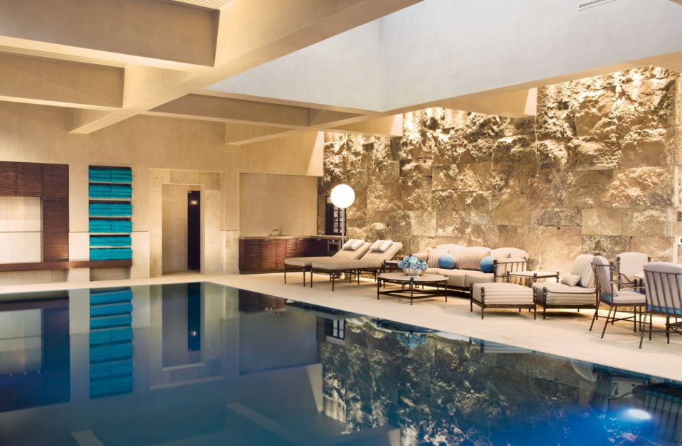 9 homes with indoor pools features design insight from for Pool design hours