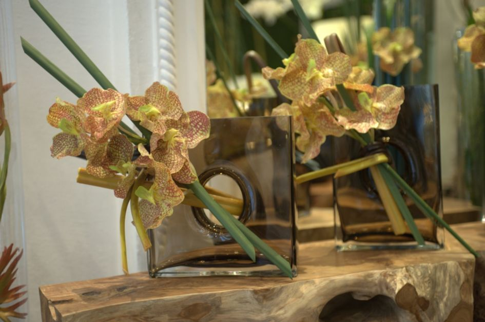 Vanda Orchid In Porthole Vase Designed By Emilio Robba Luxesource