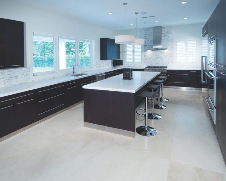 Crema Europa Limestone Floor Calacatta Marble Backsplash And Arctic Snow Quartz Counter Tops Luource Luxe Magazine The Luxury Home Redefined