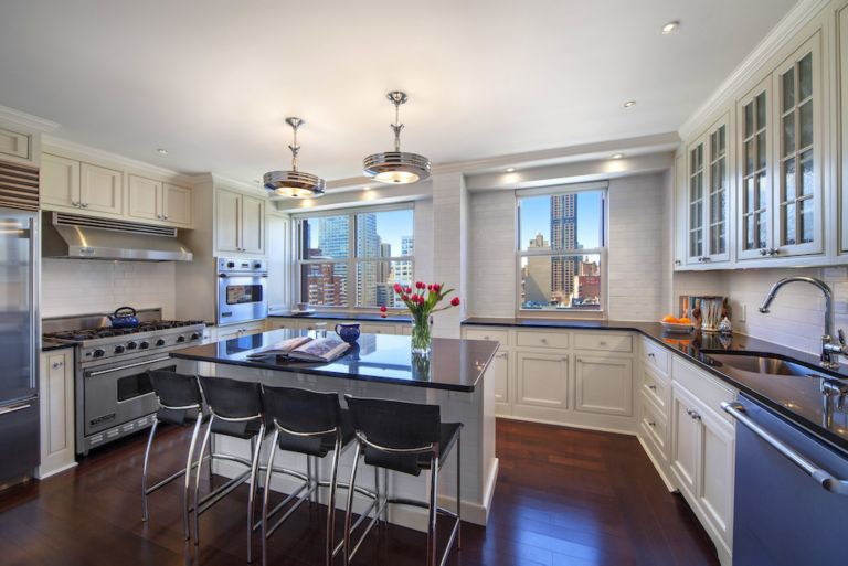 80 East End Ave 15F Kitchen - Luxe Interiors + Design