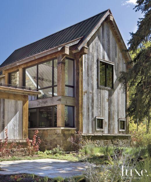 Luxury Farm Homes: Farm Building-Inspired Mountain House