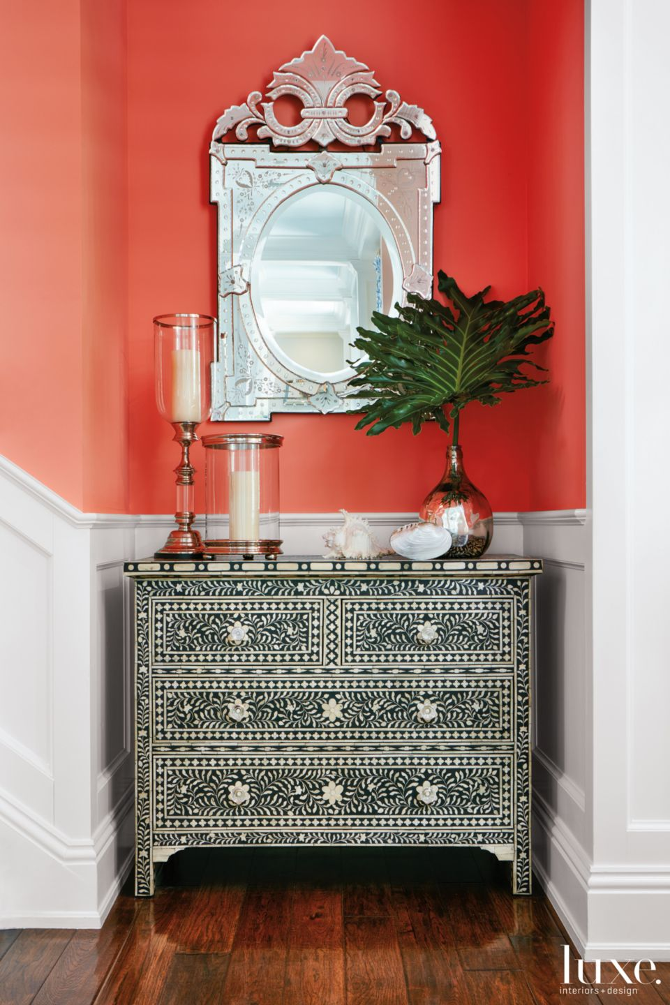 Mediterranean Coral Entry Vignette with Pearl Chest