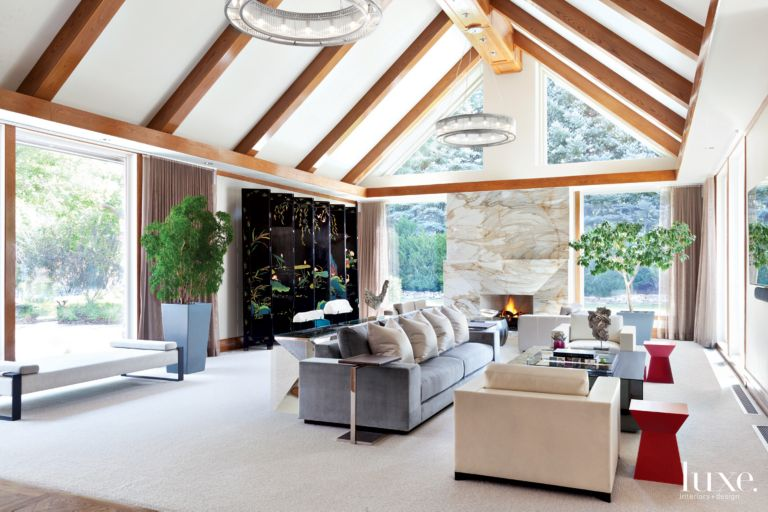 Photos of great rooms with vaulted ceilings for Vaulted ceiling great room