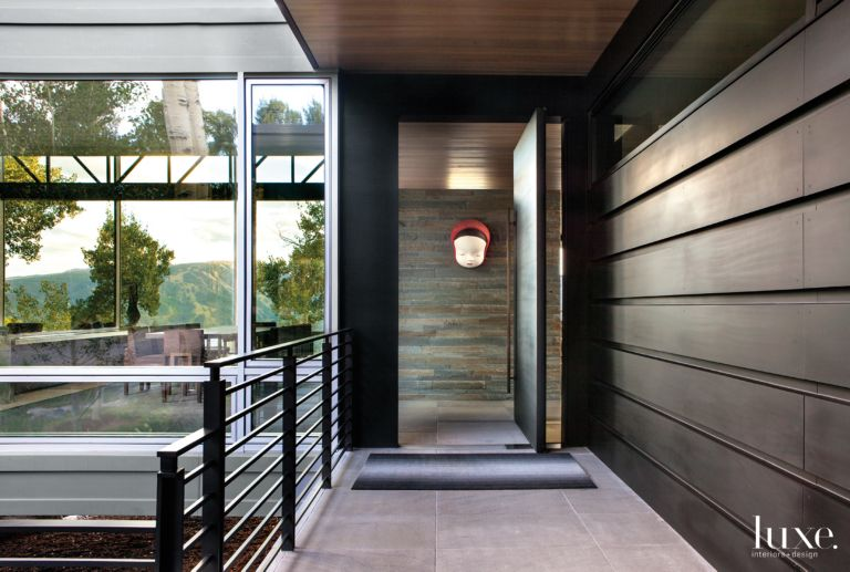 Modern Neutral Entry With Pivoting Entry Door Luxesource Luxe