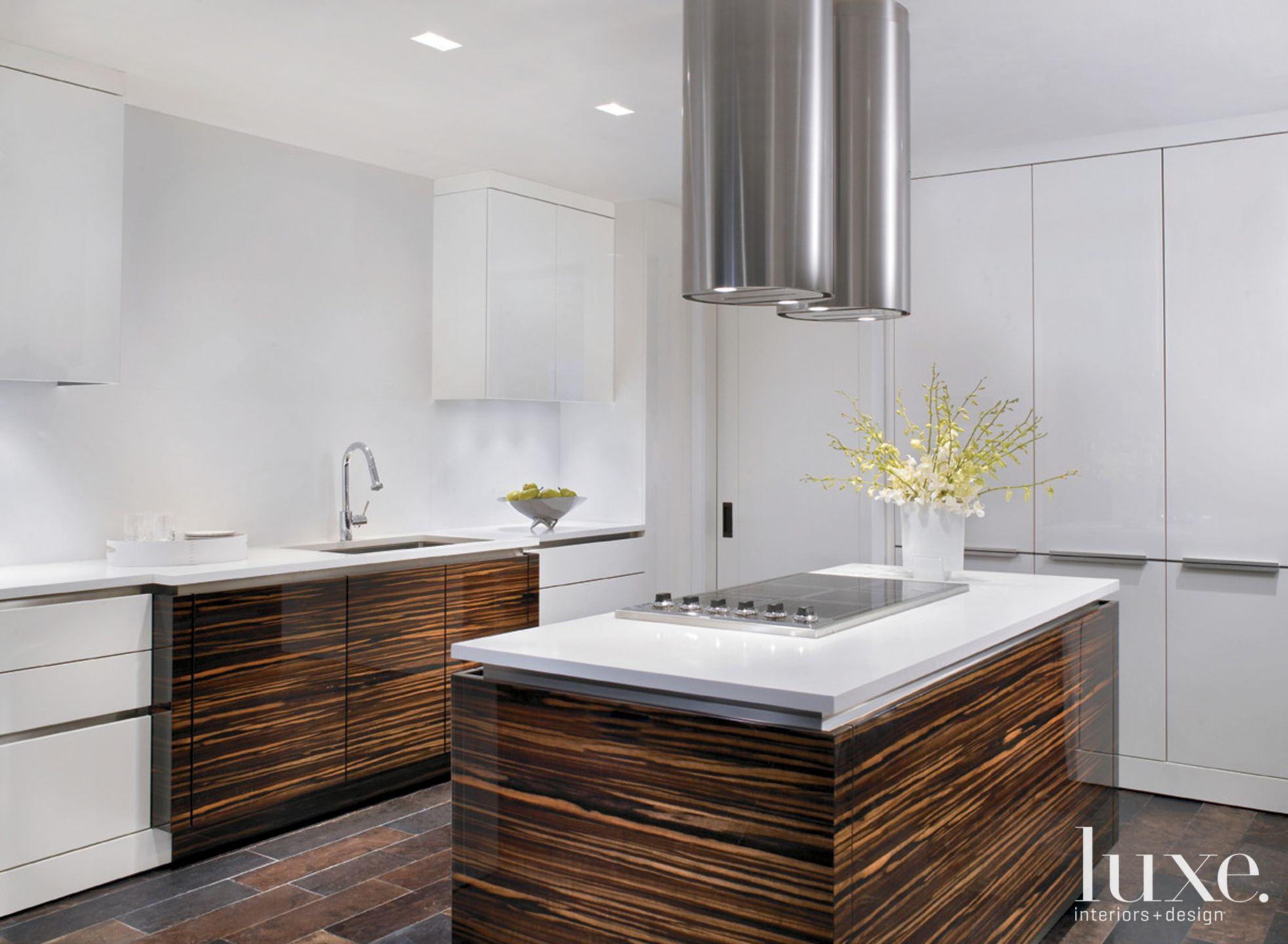 Traditional White and Brown Kitchen