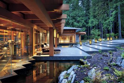 A Contemporary Vancouver Island Home with Aesthetic Harmony