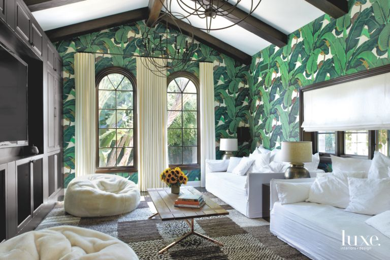 Iconic Banana Leaf Martinique Beverly Hills Wallpaper Living Room