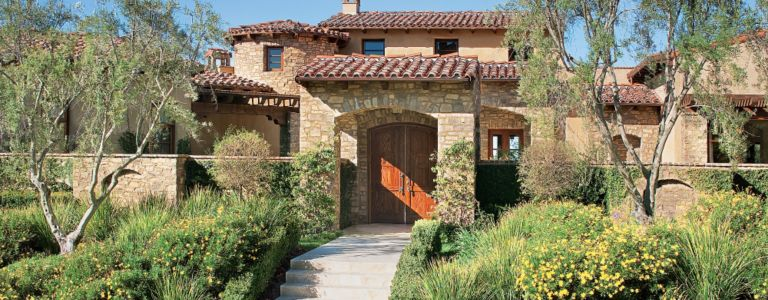 A Transitional Tuscan Style Rancho Santa Fe Home Features Design