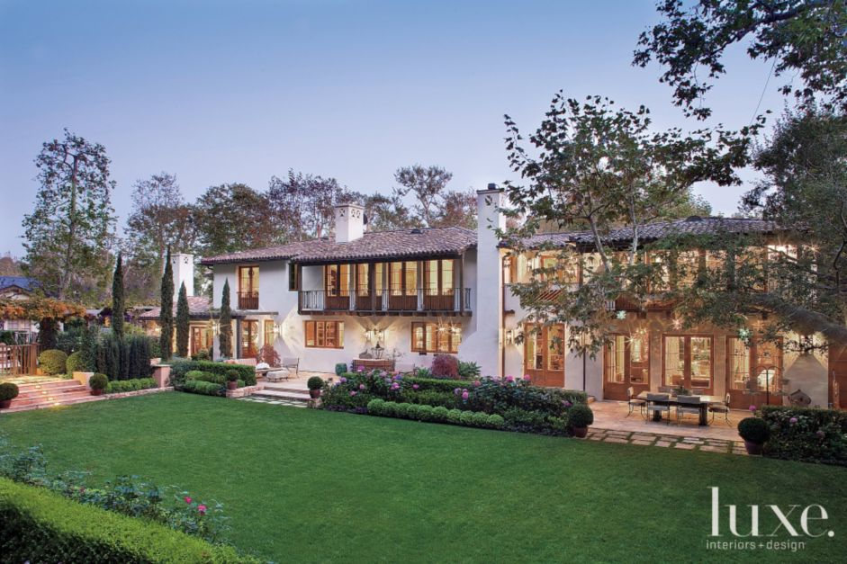 A Classic Spanish Colonial Style House Features Design Insight