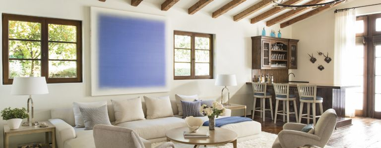 A Transitional Laguna Beach Home with a Seaside Resort Feel ...