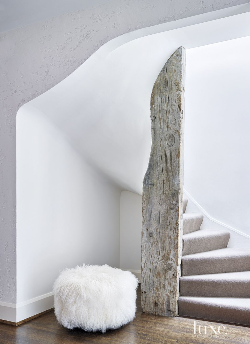 Transitional Sculptural Stucco Stairway