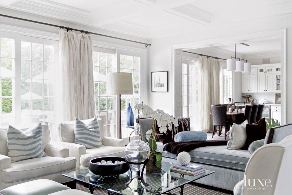 Daybed Design In Living Room
