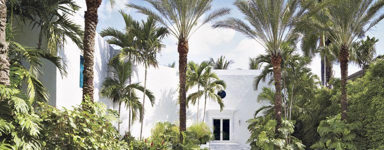 A Glamorous Modern Miami Beach Home