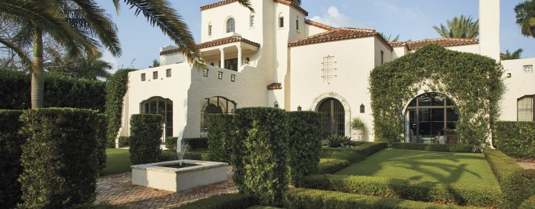 A 1920s Mediterranean Revival-Style Venetian Islands Home | Features ...