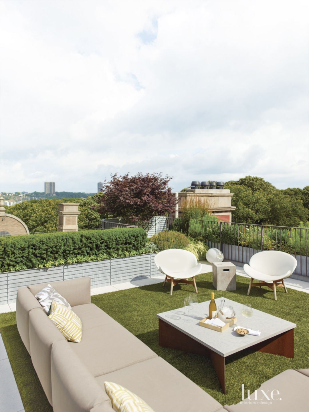 Modern Neutral Roof with Terrace Garden