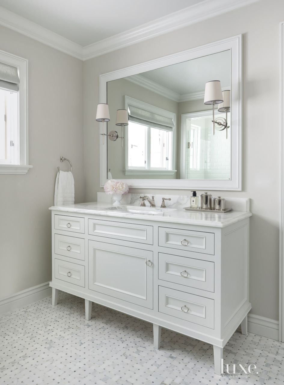 Traditional White Guest Bath Vanity - Luxe Interiors + Design