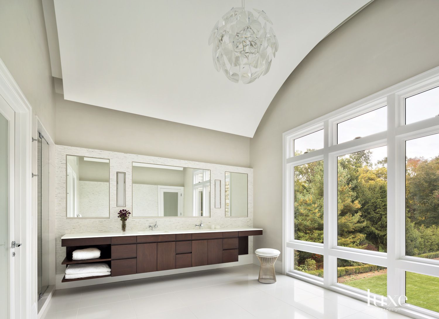 Transitional Neutral Bathroom With Barrel Vaulted Ceiling