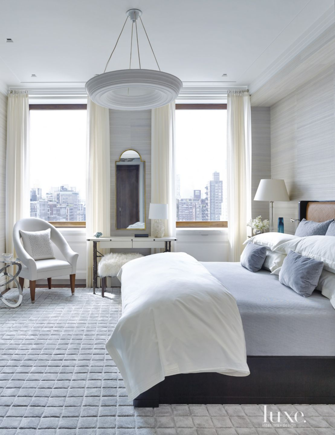 A Modern New York Apartment with a Refined Art Deco ...