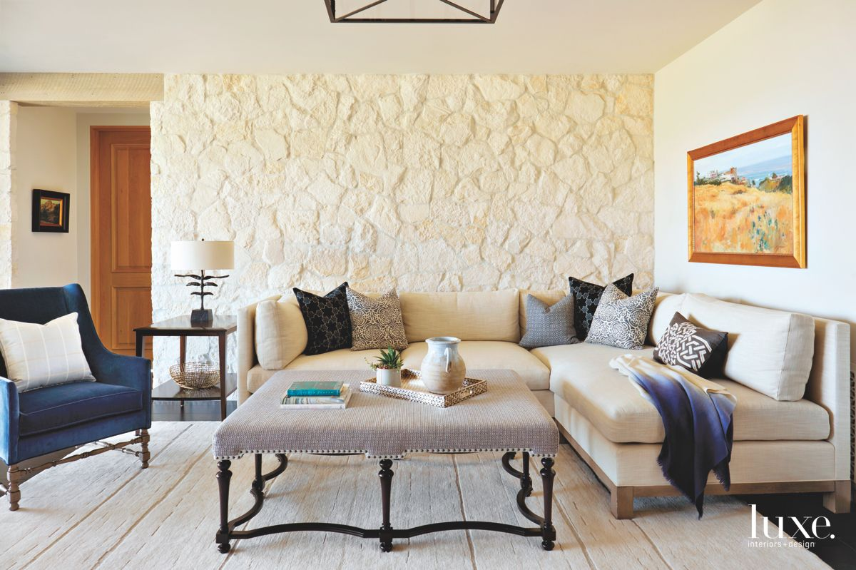 Natural Color Pale Cream Indoor Stone Wall Living Room with Corner Sofa