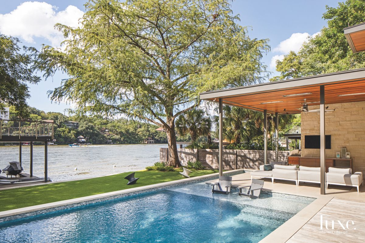Lakeside Roof Shading Outdoor Living Space
