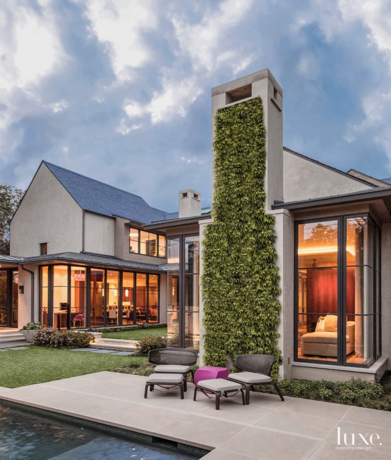 Stand Out Designs : 23 houses with stand out chimney designs features design insight