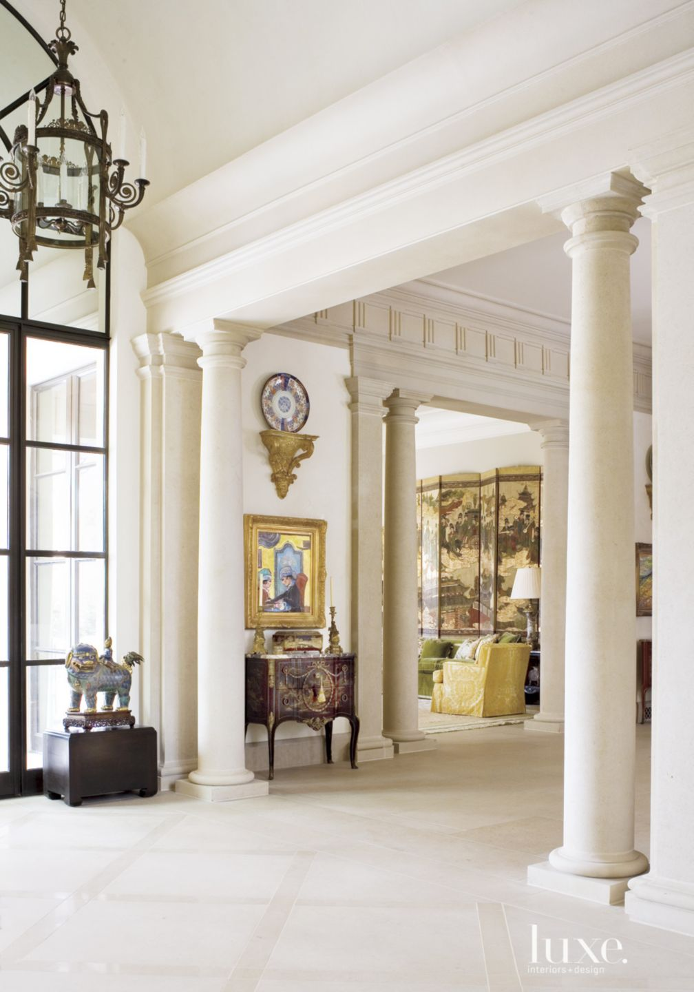 Traditional Cream Gallery with Ample Artwork