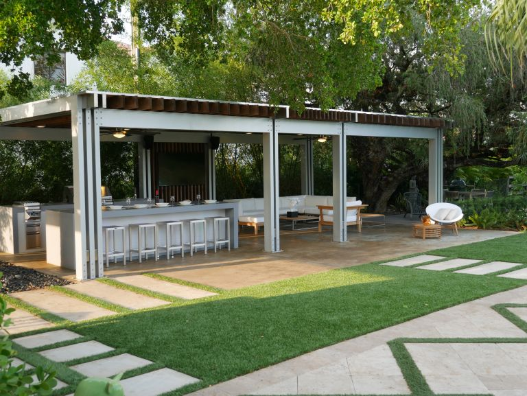 The Patio District 43 Luxesource Luxe Magazine The Luxury Home