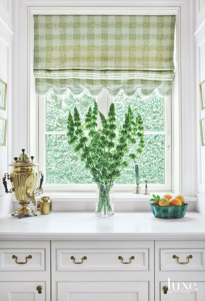 Corian Countertops in Bright White Kitchen