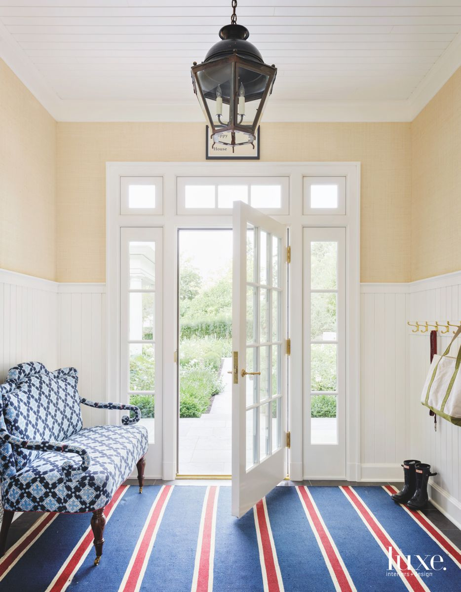 Side Entry with Bold Rug and Wide Door
