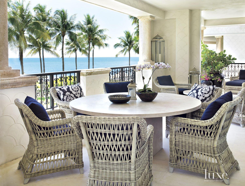 Modern Neutral Veranda with Round Table